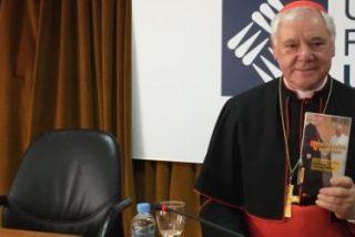 El prefecto de Doctrina de la Fe niega la posibilidad de comulgar a los divorciados recasados