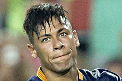 """¿A quién le dedicó Neymar el """"chúpala"""" durante la celebración de la Liga del Barça?"""