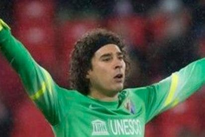 Ochoa y el Málaga mandan al Levante a segunda