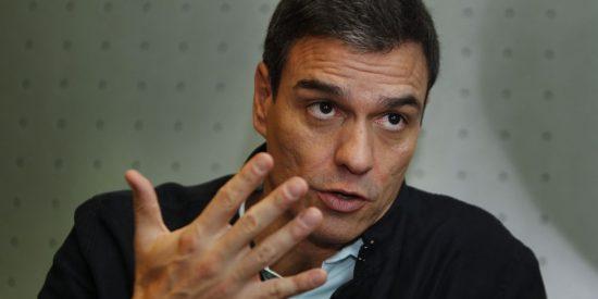 """Luis Ventoso se cachondea de Pedro Sánchez: """"Circula como el bólido bronquítico de Alonso"""""""