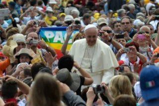 """El Papa condena los atentados en Siria y pide a Dios que """"convierta el corazón"""" de los terroristas que """"siembran muerte y destrucción"""""""