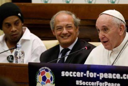 Francisco anuncia un Partido por la Paz en la Argentina