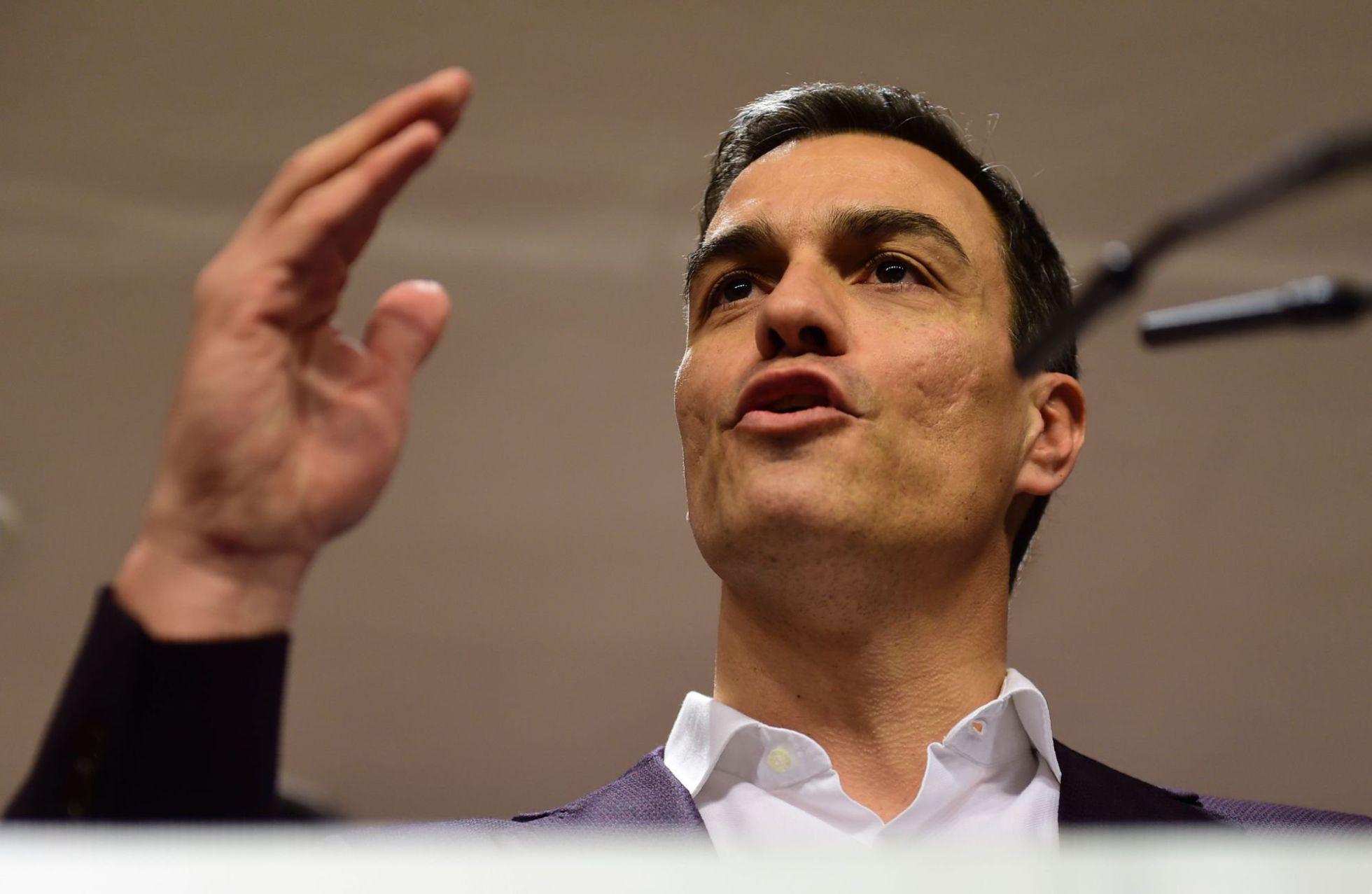 El dilema del PSOE consiste en que si se alía con el PP se lo merendará Podemos, y si pacta con Podemos…también