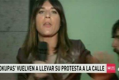 """Los 'okupas' del barrio de Gracia acosan a una reportera de Antena3 al grito de """"los terroristas sois los periodistas"""""""