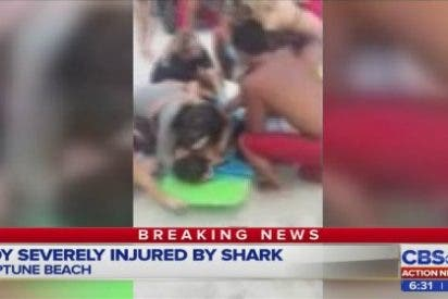 [VÍDEO] El tiburón ataca por la espalda a un chico de 13 años