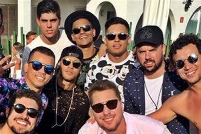 """¿Qué están haciendo Neymar y sus """"toiss"""" en sus vacaciones de Ibiza?"""
