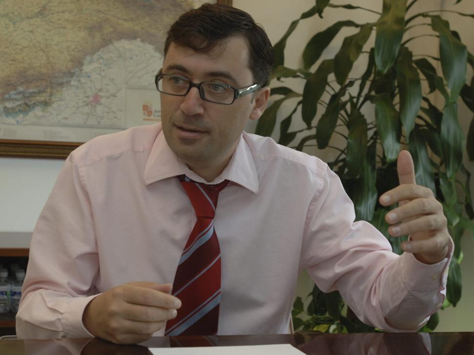 Rafael Delgado niega cualquier responsabilidad en el contrato de equipamiento de «la perla negra»