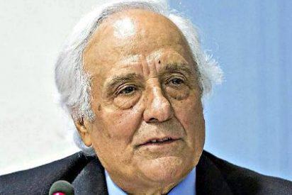 """""""Unidos Podemos pasa del sorteo de la túnica de aquel héroe de la Democracia, Adolfo Suárez"""""""