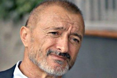 Los 10 estacazos que repartió Arturo Pérez Reverte antes de este 2 de Mayo de 2016
