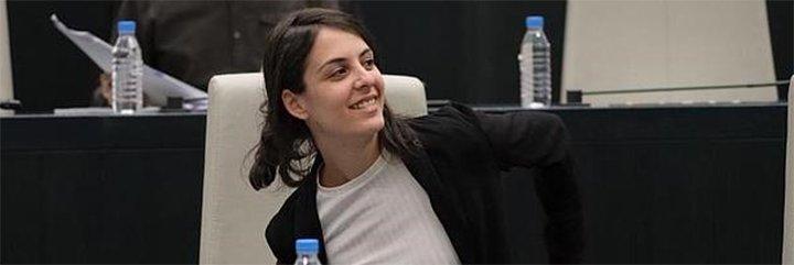 La descocada 'asalta capillas' de Rita Maestre ahora le ríe las gracias a los separatistas