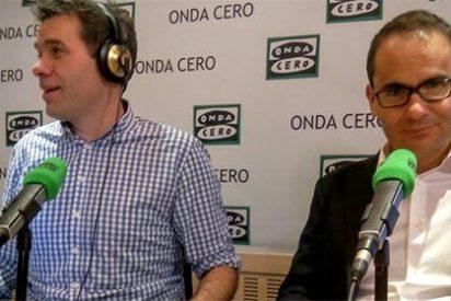 """David Jiménez descoloca a Carlos Alsina al tomarse con humor su destitución: """"¿Aceptáis a exdirectores en este programa?"""""""