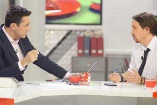 """A Javier Ruiz se le cae la baba con la visita de Pablo Iglesias: """"¡Bienvenido de vuelta a tu mesa!"""""""
