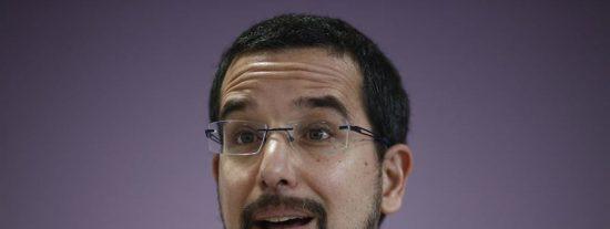 Sergio Pascual es la leche: quiso que el Congreso le pagara un viaje por la patilla