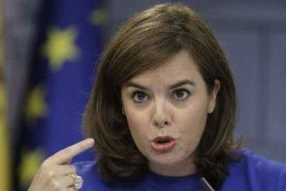 """Soraya Sáenz de Santamaría: """"""""No es lo mismo ser alcaldesa que líder okupa y ahora Colau tiene el problema que tiene"""""""