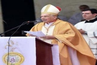 """El cardenal Re sostiene que Argentina necesita más que nunca """"poner fin a la corrupción"""""""
