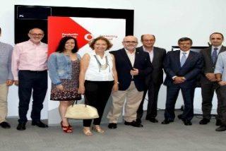 "Vodafone dona dos unidades de ""instant classroom"" a Juan Ciudad"