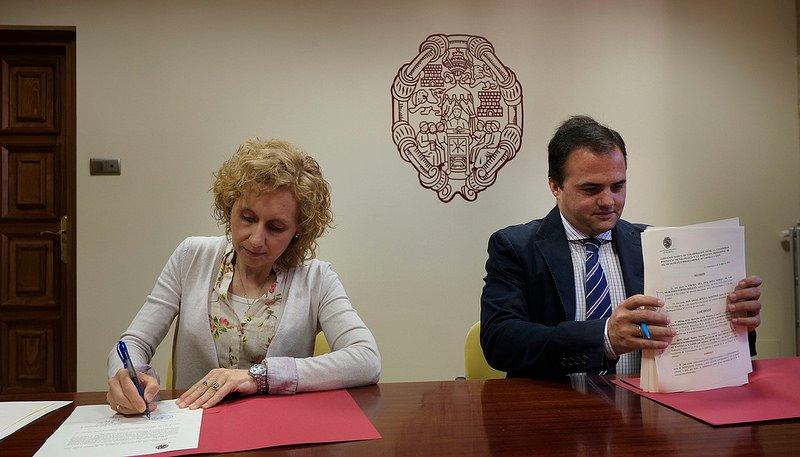 La UPSA firma un convenio con los técnicos de seguridad laboral