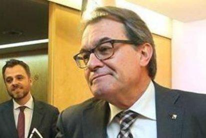 El independentista Artur Mas se sienta en el banquillo por su osadía con el referéndun del 9-N