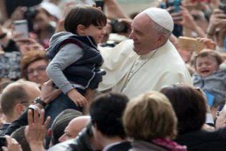 """El Papa: """"La misericordia tiene ojos para ver, orejas para escuchar y manos para alzar"""""""