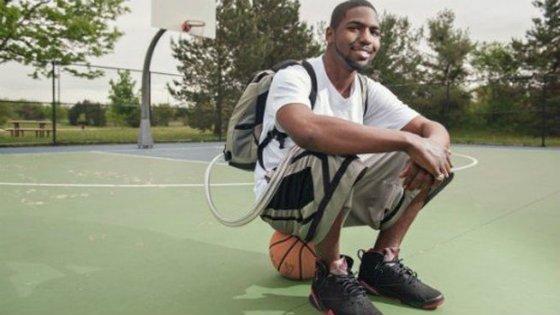 El joven que ha sobrevivido 555 días sin corazón: lo llevaba en una mochila