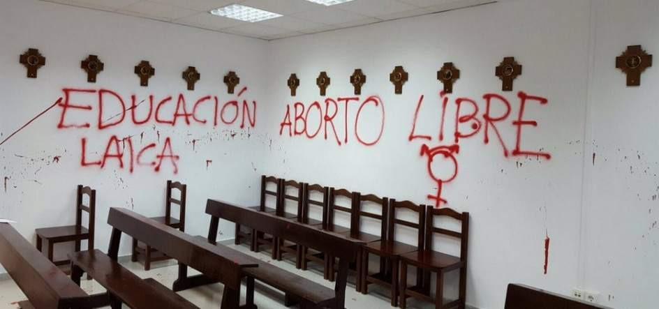 "Manuela Carmena considera ""absolutamente deleznable"" el asalto a la capilla de la Autónoma"