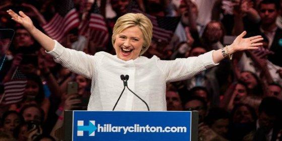 Hillary Clinton se declara vencedora y celebra ser la primera mujer candidata a la presidencia de EEUU