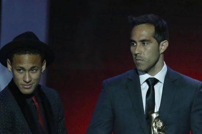 El feo que Neymar le ha hecho a Claudio Bravo