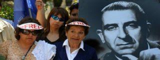 Exhuman los restos del ex presidente chileno Eduardo Frei para aclarar si fue asesinado por la dictadura