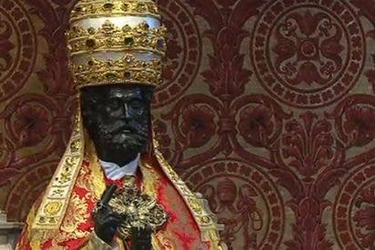 """El Papa en la entrega de los palios: """"La tentación de la Iglesia es la de cerrarse en sí misma"""""""