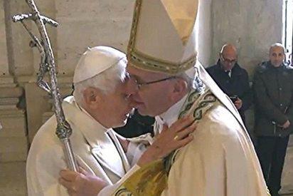 """Francisco: """"Benedicto es un hombre de paz, un hombre de Dios"""""""