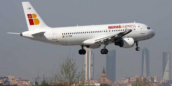 Iberia insiste en la urgencia de conectar al AVE con Barajas para competir con otros hubs europeos