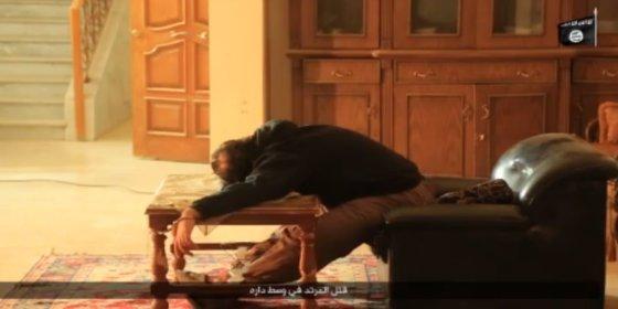 [VÍDEO] ISIS despedaza a los periodistas ¡usando sus ordenadores como bombas!