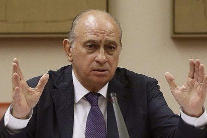 Rídiculo y escandaloso: Un micrófono en el despacho del ministro del Interior