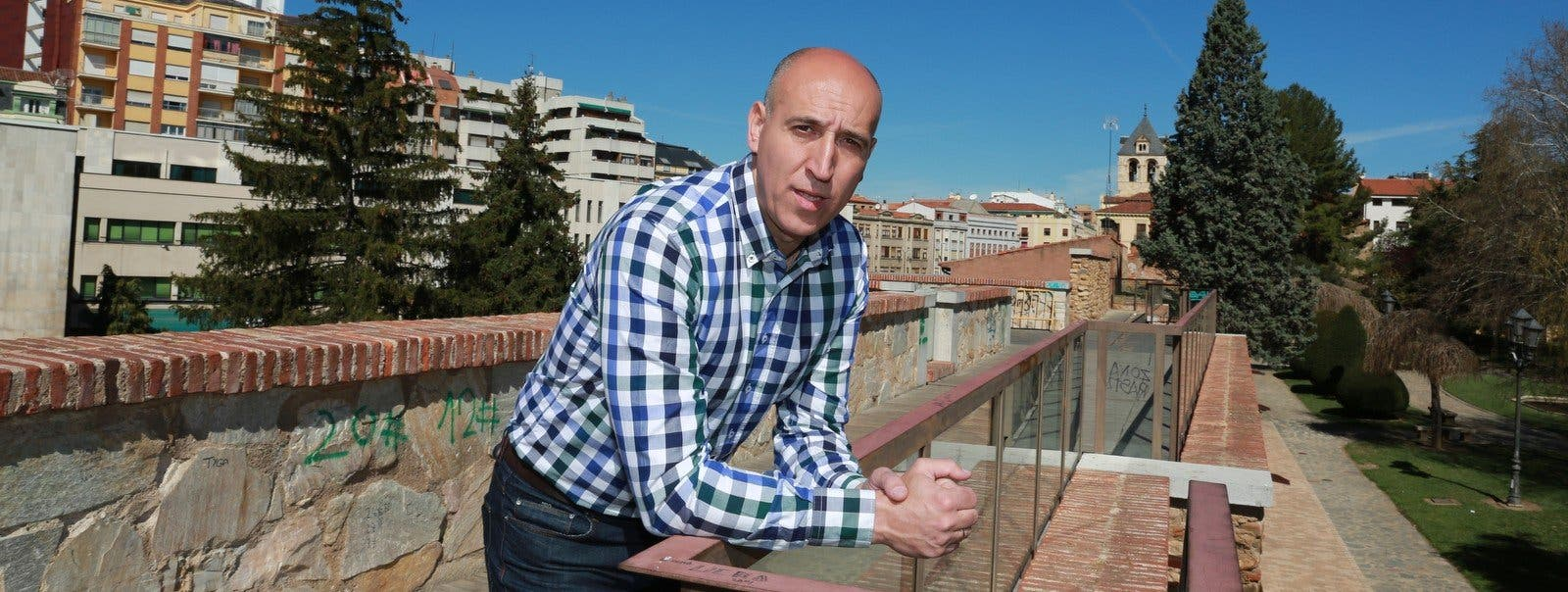 La reivindicación histórica del alcalde de León le estalla al PSOE en los morros en el peor momento