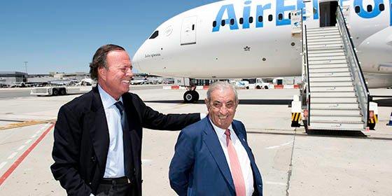 Air Europa bautiza su segundo Boeing 787 Dreamliner con el nombre de Julio Iglesias