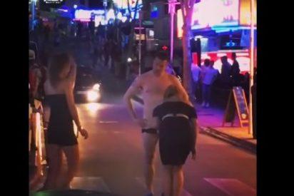 El vídeo de la descocada turista haciendo 'mamading' en plena Punta Ballena