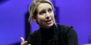De cómo la estrella de Silicon Valley Elizabeth Holmes perdió 4.500 millones