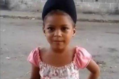 """El agrio mensaje de la salerosa niña a Maduro: """"No tengo comida, ni medicinas... y tampoco champú"""""""