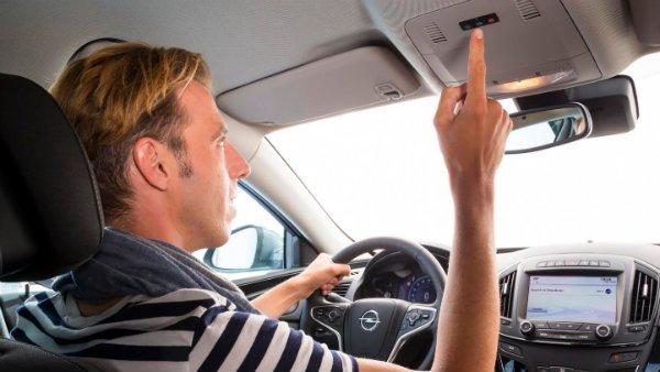 Adiós a las distracciones: Opel se vuelca con la seguridad