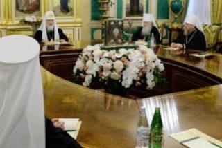 El Patriarcado de Moscú acusa al de Constantinopla de ceder a presiones islamistas y norteamericanas