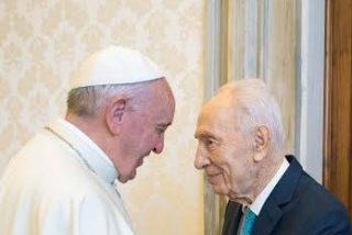 """Peres vuelve a proponer a Francisco la creación de una """"ONU de las religiones"""""""