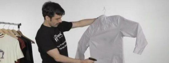 [VÍDEO] La percha que evitará que te deslomes planchando... ¡por 25 €!