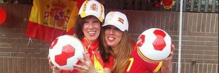 Ada Colau multa a 'Barcelona con la Selección' con la excusa de que han puesto una pantalla