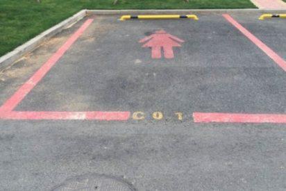 ¿Parking machista?: En China han creado plazas de aparcamiento más grandes exclusivamente para mujeres.
