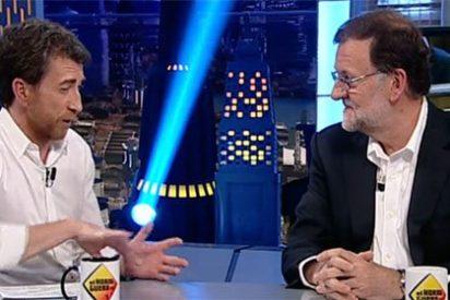 """Rajoy se crece con Motos y se mofa de Pablo Iglesias: """"Evoluciona con rapidez y tiene unas convicciones profundas"""""""