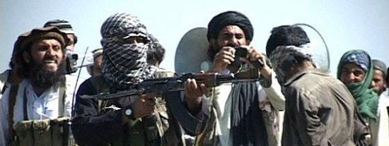 Los talibanes le sacan los ojos y lo despellejan vivo antes de tirarle por un acantilado