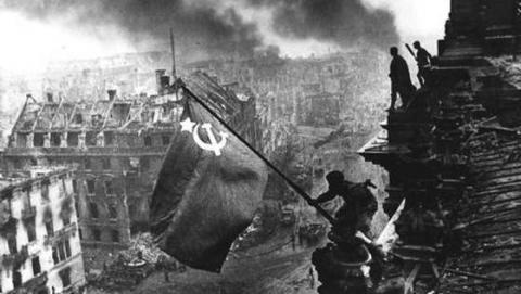 El Ejército Rojo busca apartamento en Rusia (XLXVXIV)