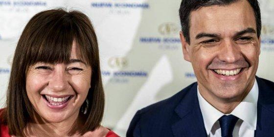 El bozal al castellano de la amiga pancatalanista de Pedro Sánchez: ¡veto lingüístico para abrir negocios en Baleares!