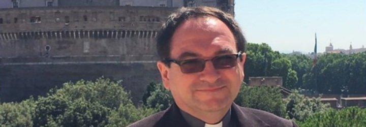 """Padre Majewski: """"Muchos jóvenes sienten nostalgia 'de otra cosa' que se separa de la cultura corriente"""""""