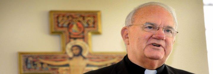 """Monseñor Robert Lynch: """"Es la religión, incluida la nuestra la que pone en el punto de mira a los homosexuales"""""""